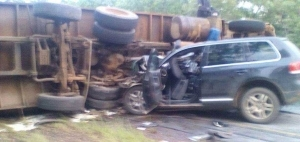 Photos; 3 Chinese Nationals Dead After Their Jeep Collided With An Overturned Truck In Zambia.
